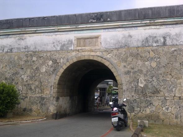 舊城北門,位在今高雄市左營區勝利路與義民巷交會處。.jpg