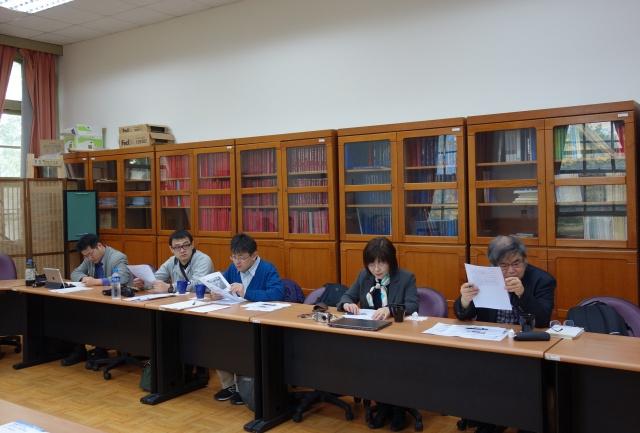 會場一景。左起:中山、石川、天野、松田、今西等五位先生。(楊霈琳拍攝)
